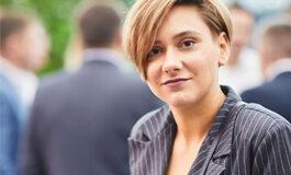 Елена, 26 лет, экспорт-менеджер — Отзыв о занятиях йогой онлайн